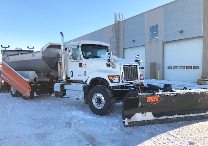 Tenco Turnkey 2021 International truck with XD ss spreader, front plow and side wing